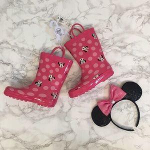 NWT! DISNEY Minnie Mouse Rain Boots!